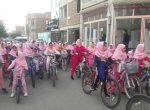 ركاب زني دانش آموزان سلماسي بمناسبت روزجهانی کودک